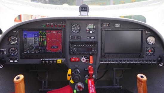 wt9_cockpit_web